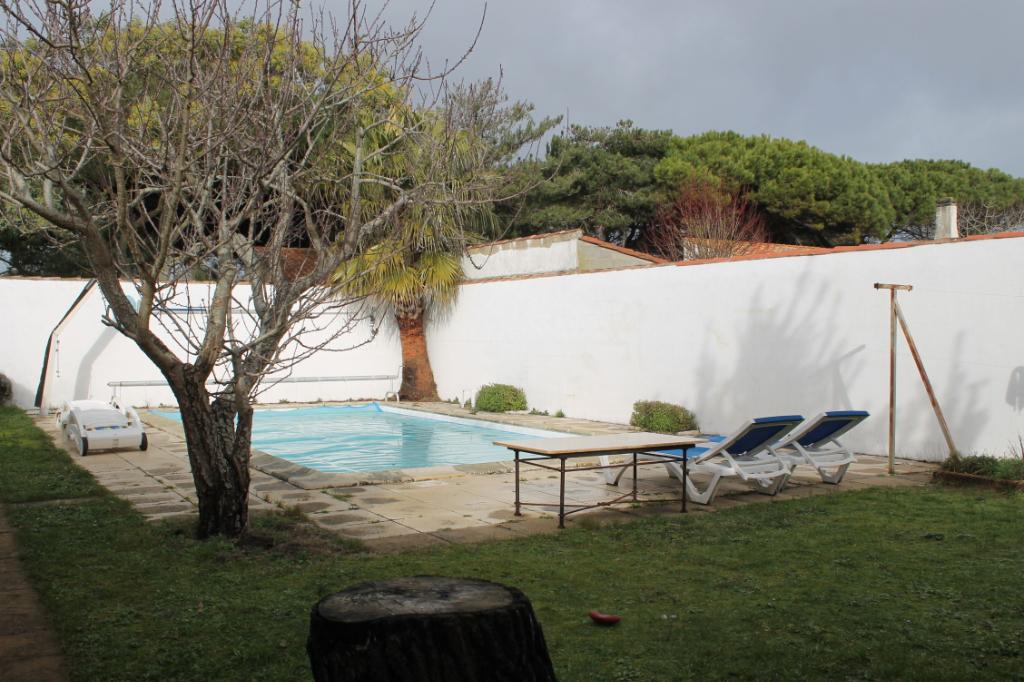 Maison / Villa à ARS EN RE 17590 (2295)