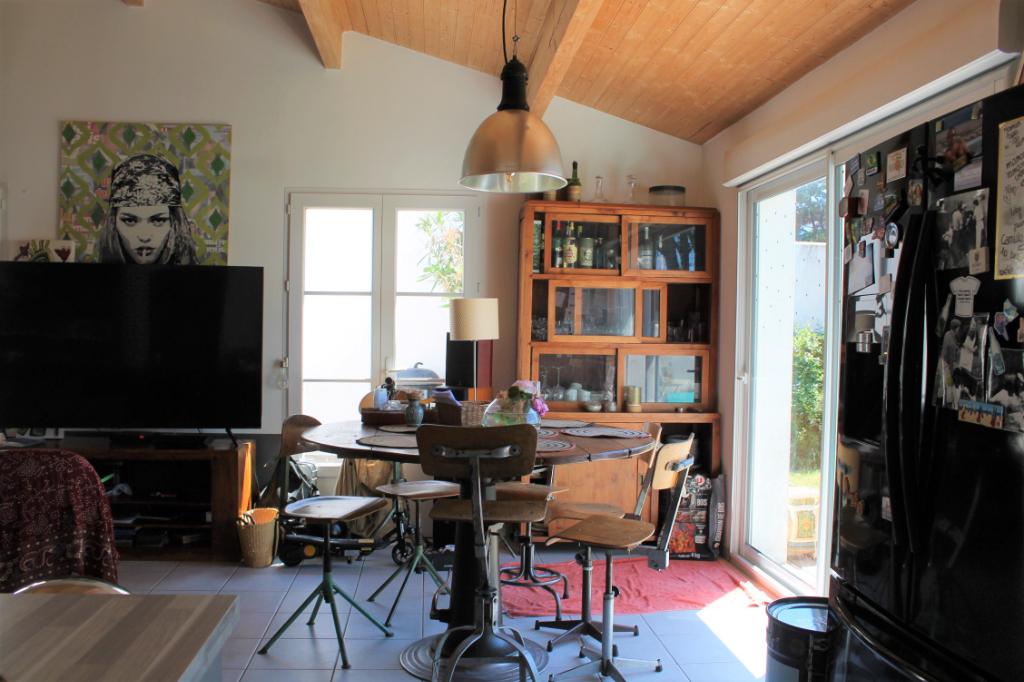 Maison / Villa à SAINT CLEMENT DES BALEINES 17590 (2308)