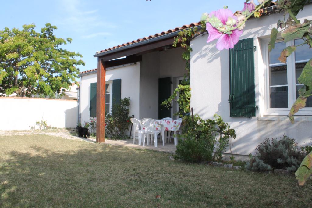 Maison / Villa à LOIX 17111 (2315)
