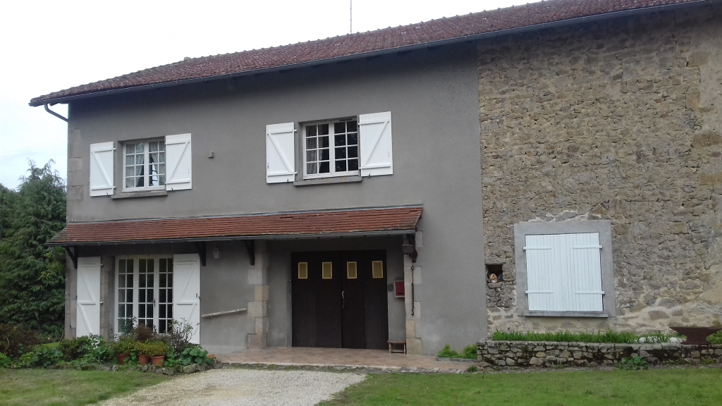 photo de Maison 3 chambres dans hameau typique-Compreignac