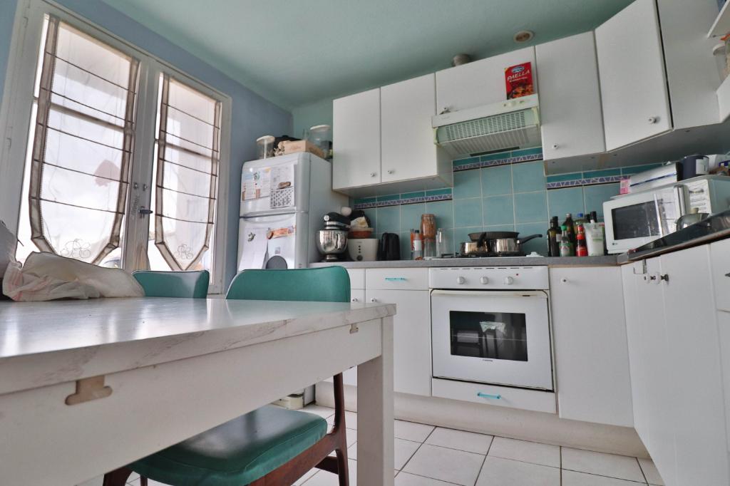Vente Appartement de 4 pièces 72 m² - MARSEILLE 13006   AGENCE ETOILE - MARSEILLE - AR photo5