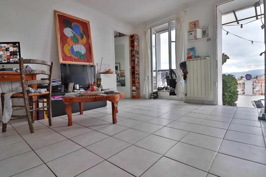 Vente Appartement de 4 pièces 72 m² - MARSEILLE 13006   AGENCE ETOILE - MARSEILLE - AR photo6