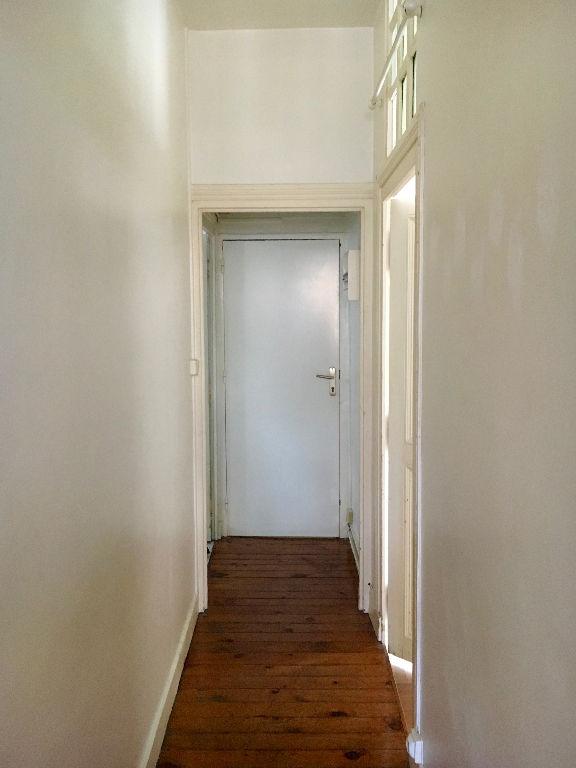 TOURS SCELLERIE. F1bis. 3ème Etage sans ascenseur avec cave.