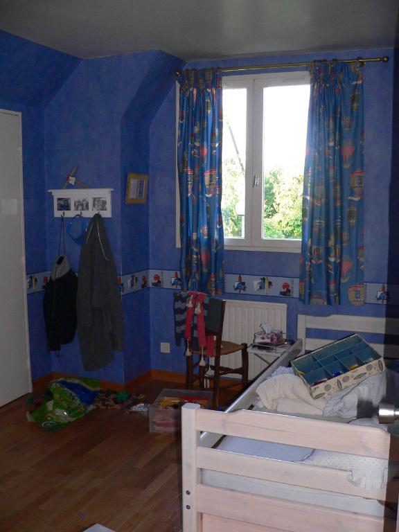 SAINT AVERTIN. Maison de 170 m2  avec 5 chambres, terrasse, garage et jardin arboré.