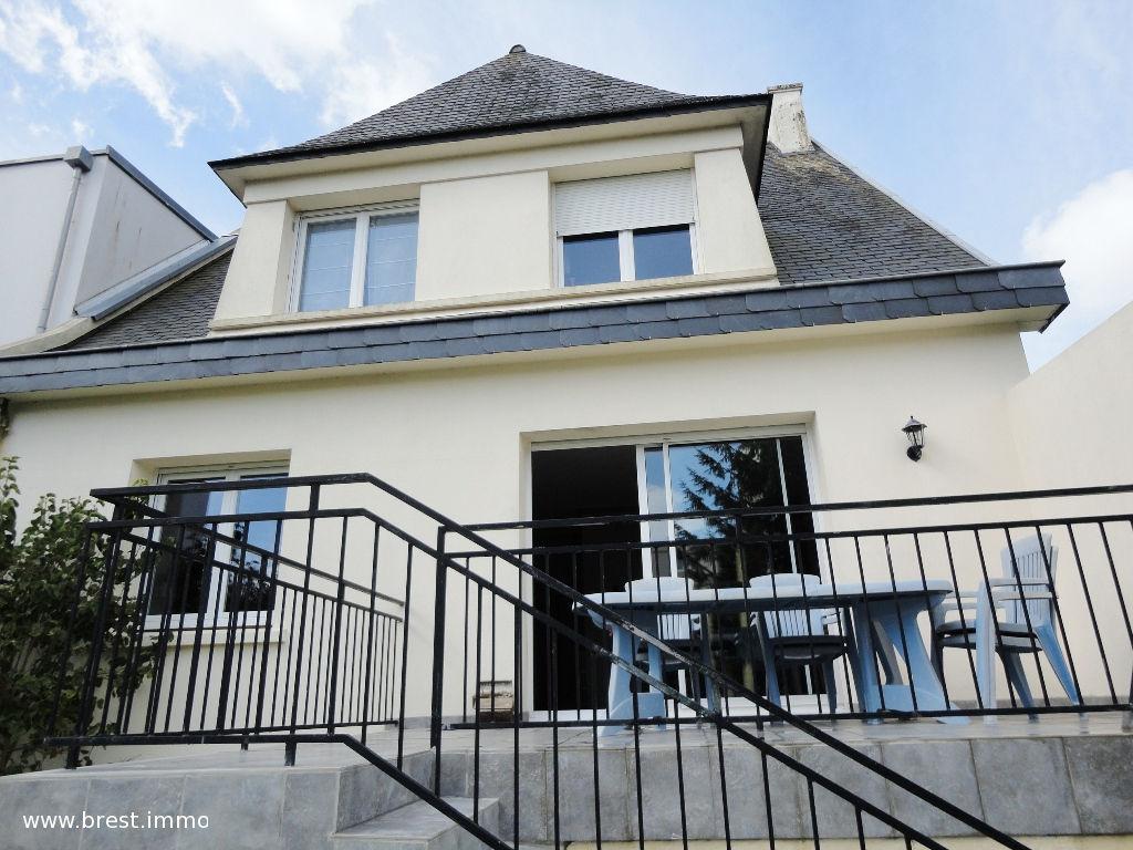 A vendre brest saint pierre maison t7 de 197 m jardin for Terrasse jardin immobilier