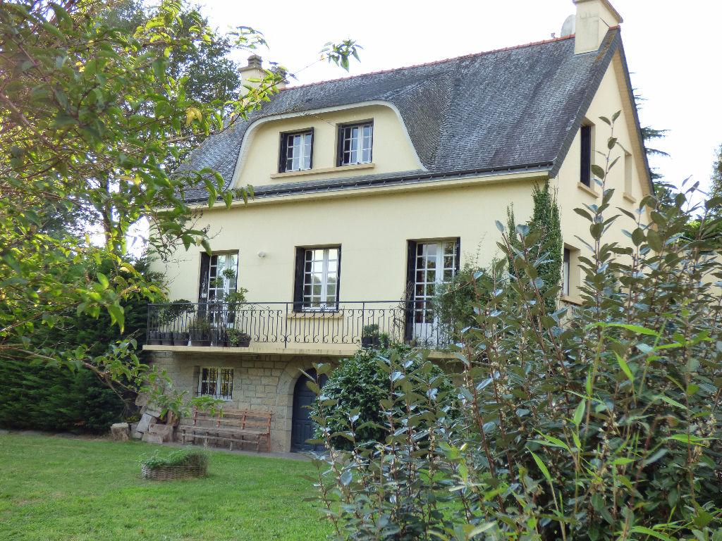 Maison Val D Oust 7 pièce(s) 160 m2