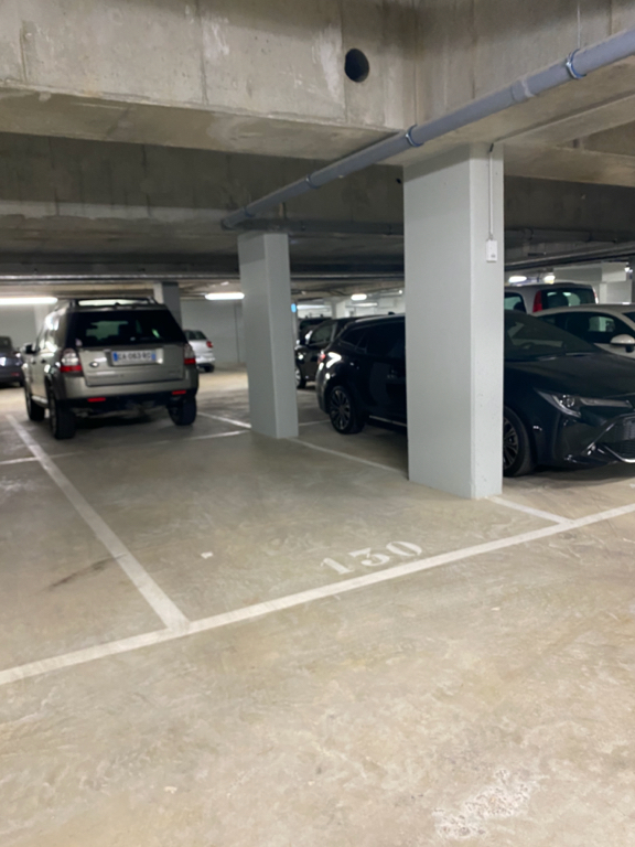 Rental parking spaces Versailles 110€ CC - Picture 1