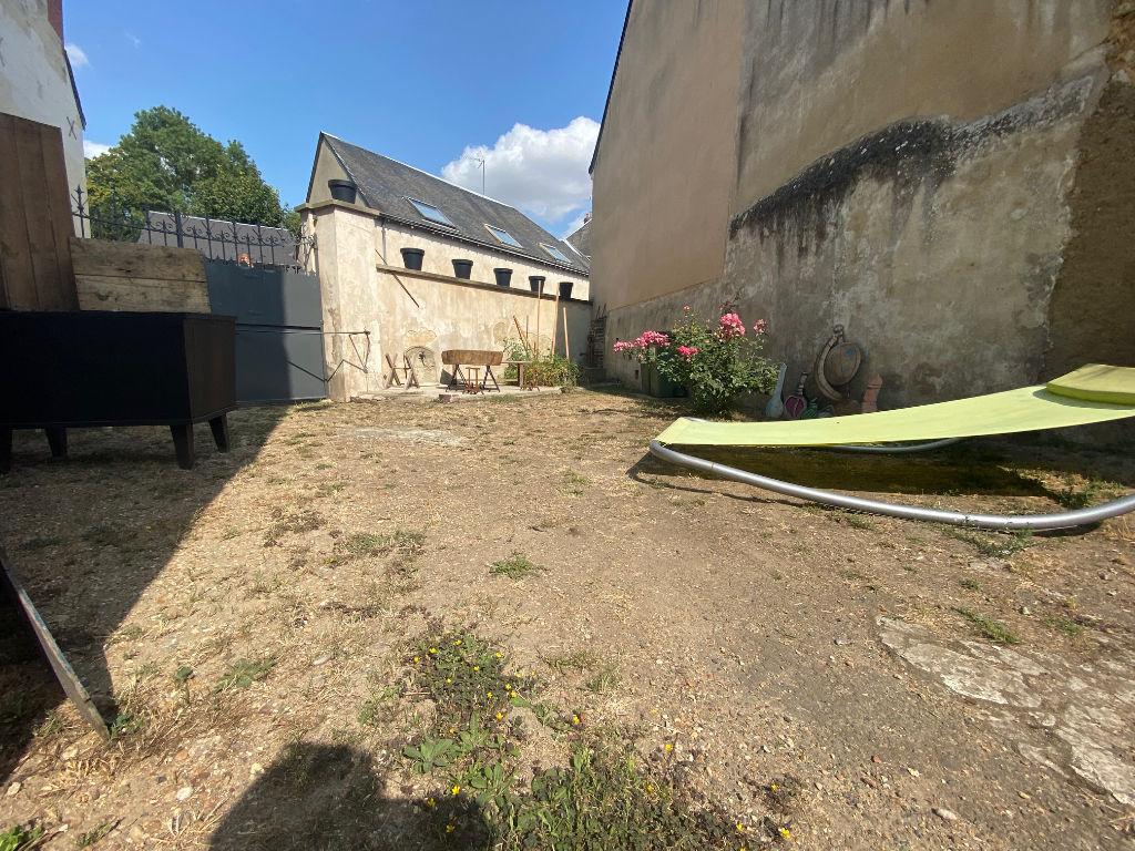Vente maison / villa La chartre sur le loir 141700€ - Photo 10