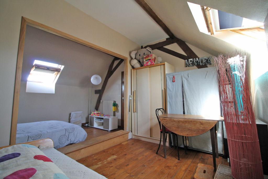 Sale house / villa La chartre sur le loir 182750€ - Picture 5