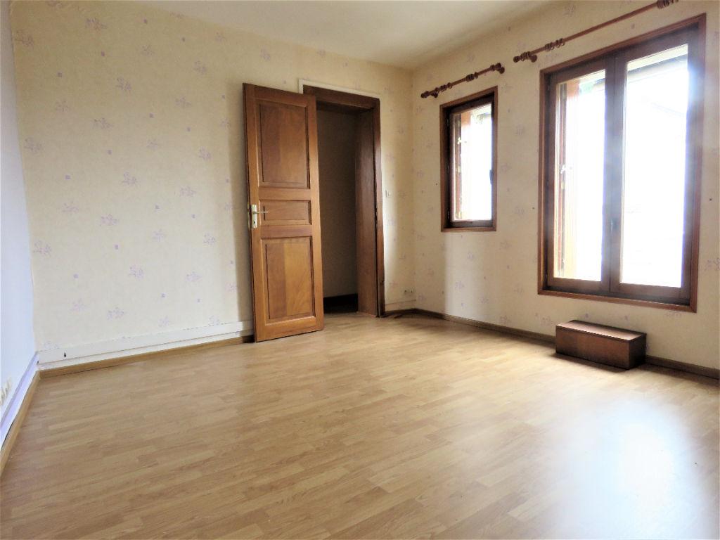 Sale house / villa Montoire sur le loir 88800€ - Picture 5