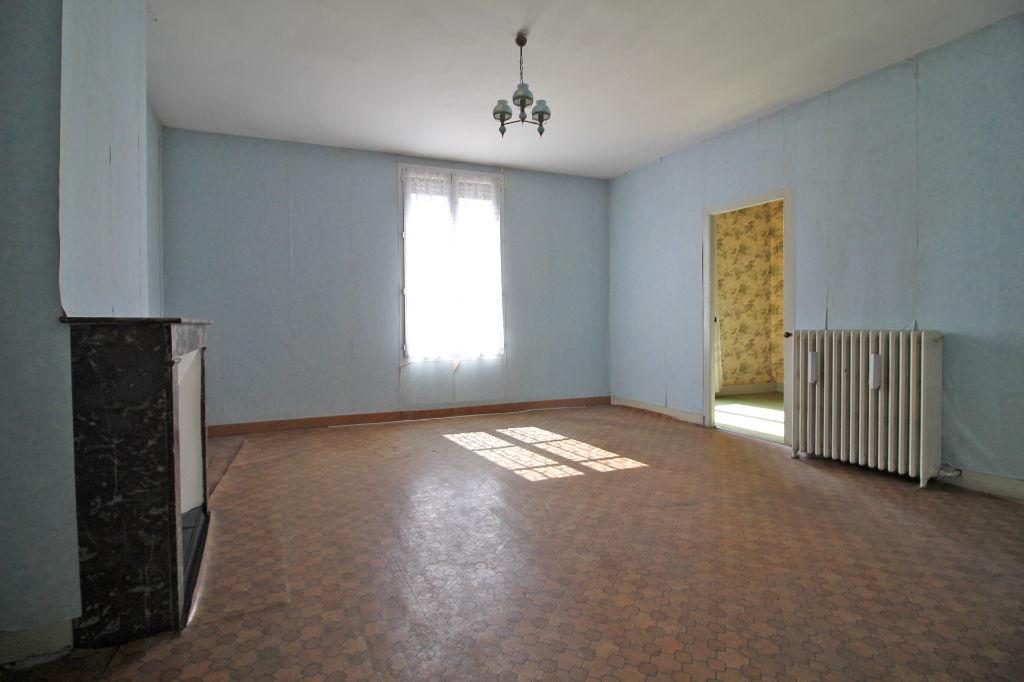 Sale house / villa La chartre sur le loir 67500€ - Picture 5