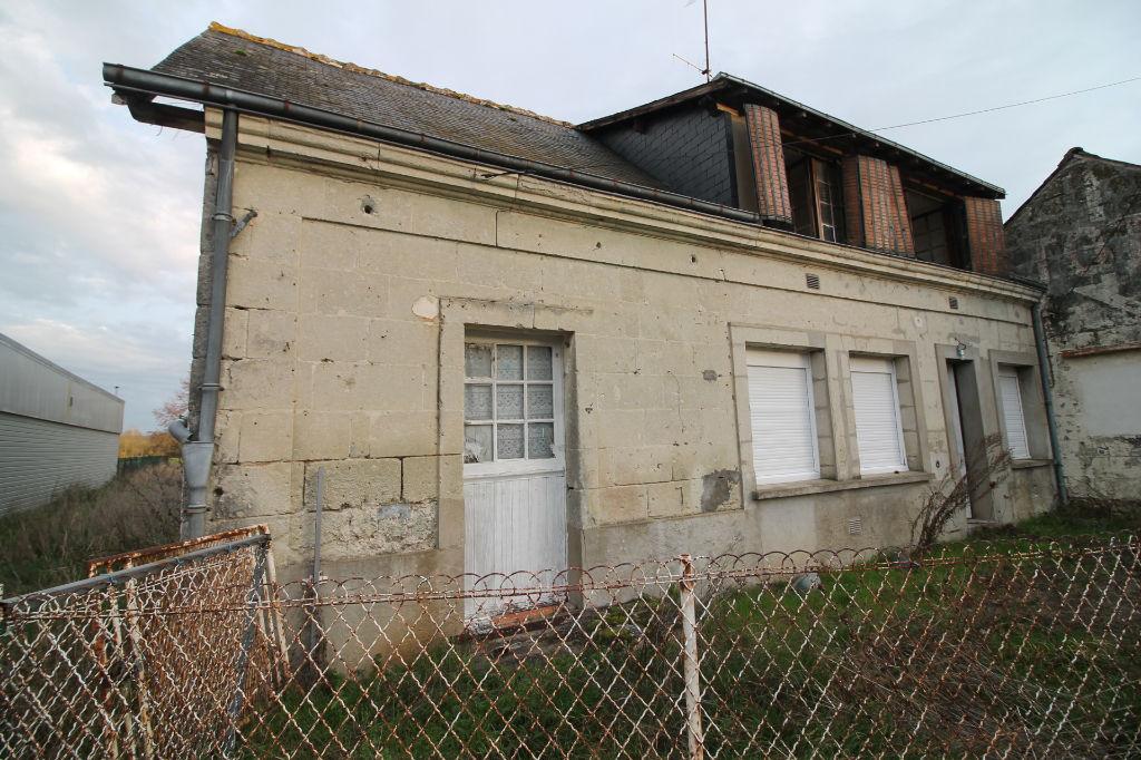 Sale house / villa La chartre sur le loir 72800€ - Picture 2