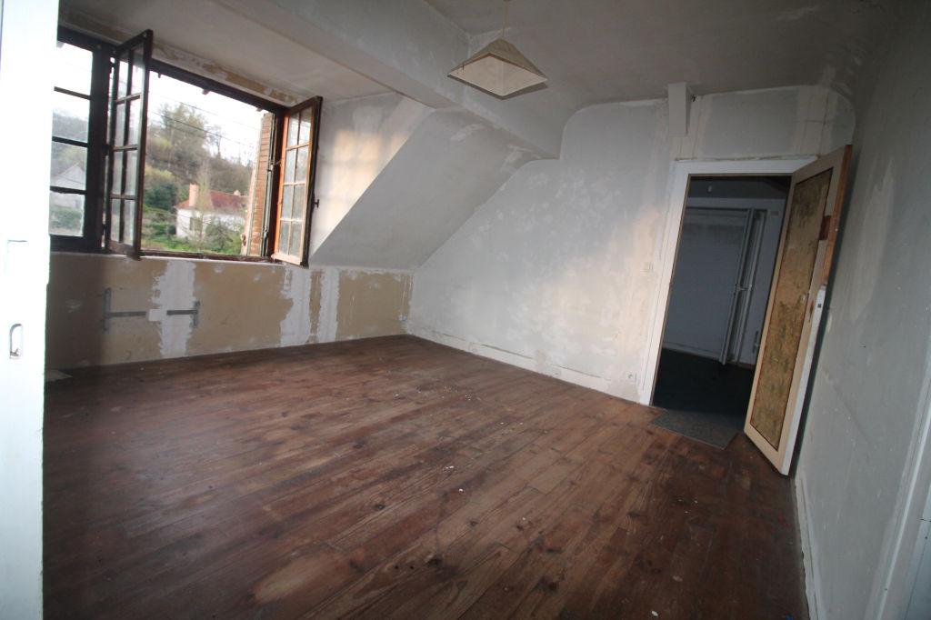 Sale house / villa La chartre sur le loir 72800€ - Picture 4