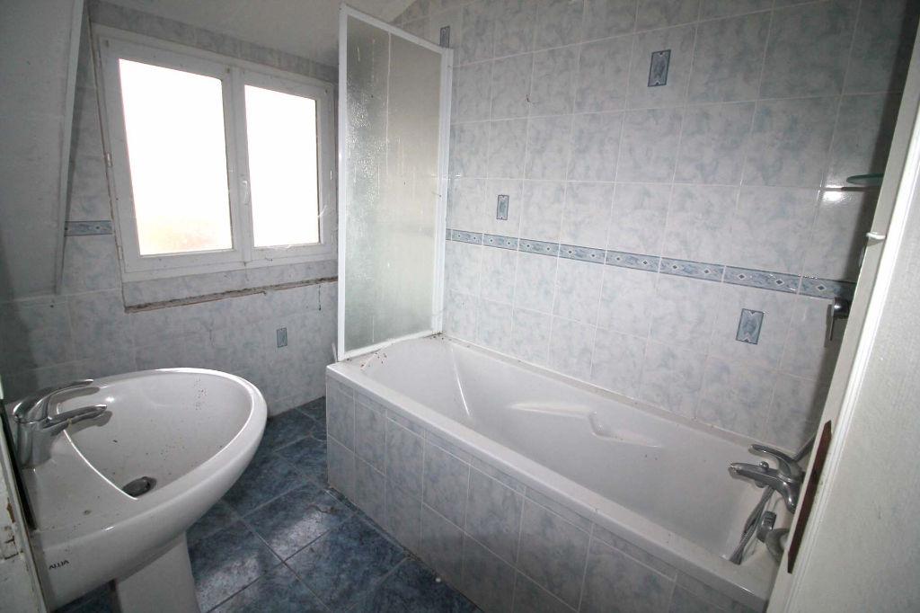 Sale house / villa La chartre sur le loir 72800€ - Picture 9