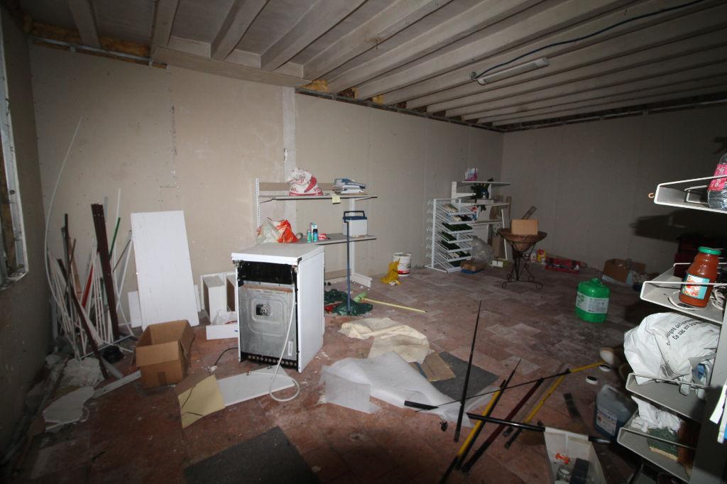 Sale house / villa La chartre sur le loir 72800€ - Picture 10