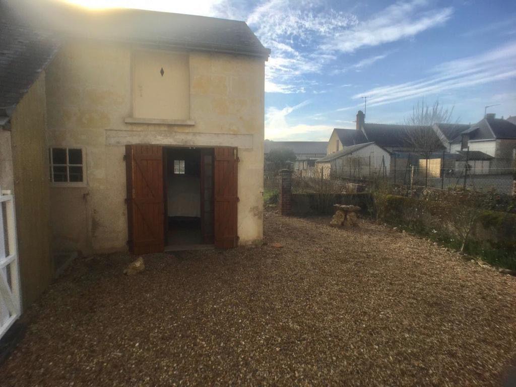 Sale house / villa La chartre sur le loir 67500€ - Picture 2