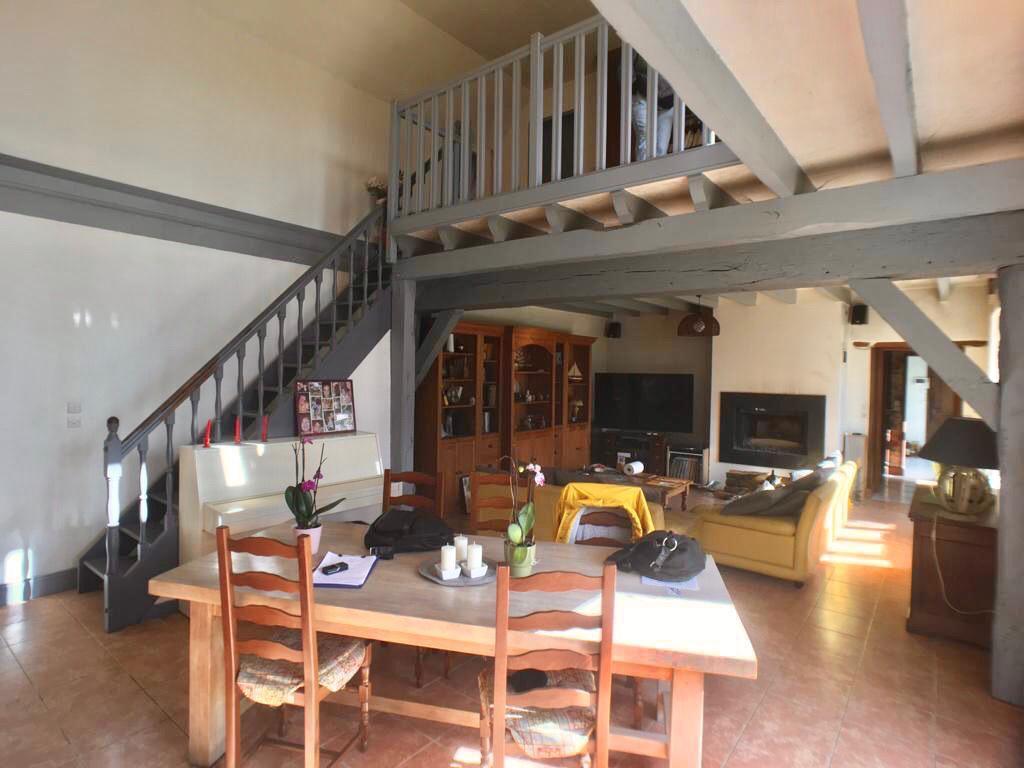 Sale house / villa La chartre sur le loir 193500€ - Picture 2