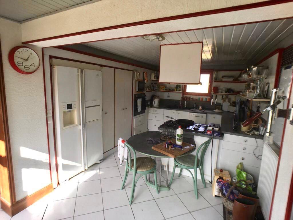 Sale house / villa La chartre sur le loir 193500€ - Picture 10