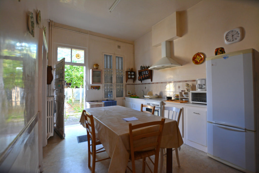 Sale house / villa La chartre sur le loir 88800€ - Picture 5