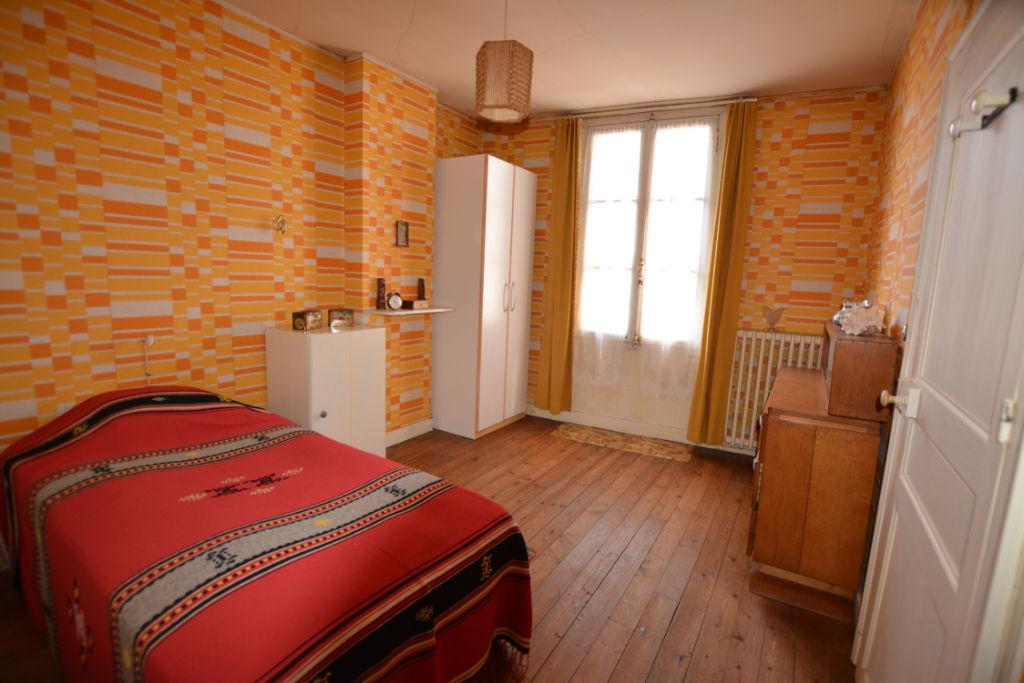 Sale house / villa La chartre sur le loir 88800€ - Picture 9