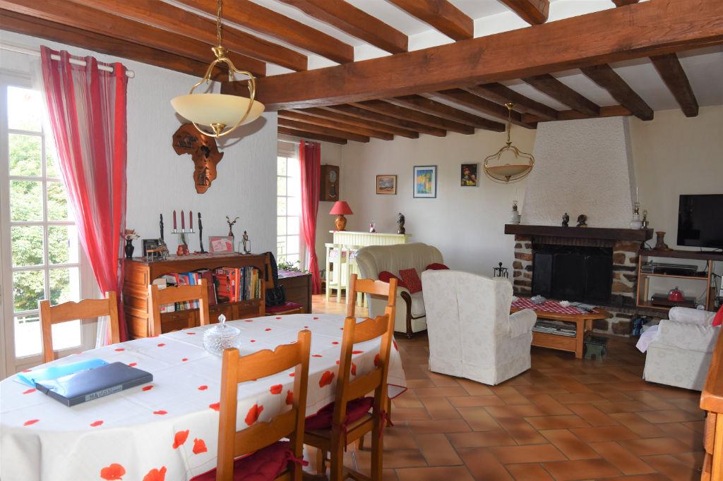 Sale house / villa Saint calais 188125€ - Picture 5