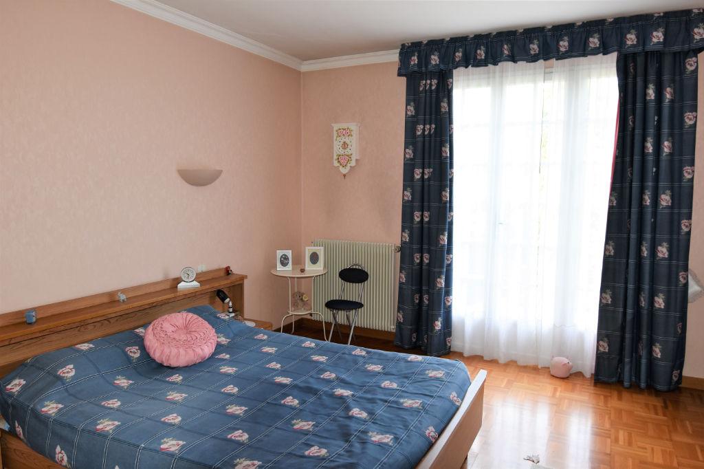 Sale house / villa Saint calais 188125€ - Picture 6