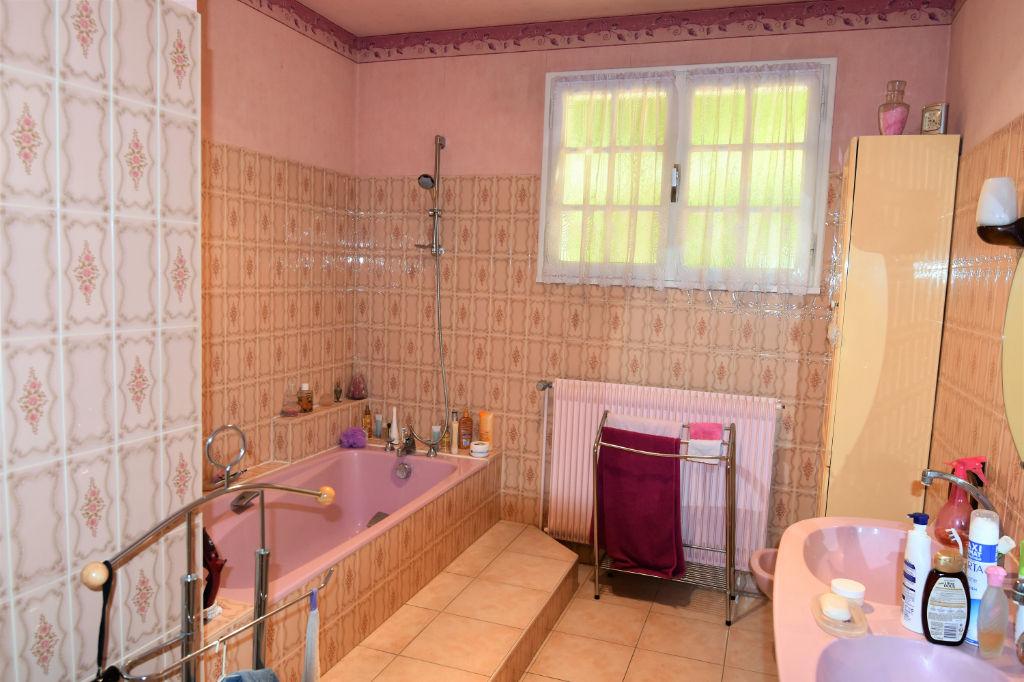 Sale house / villa Saint calais 188125€ - Picture 7
