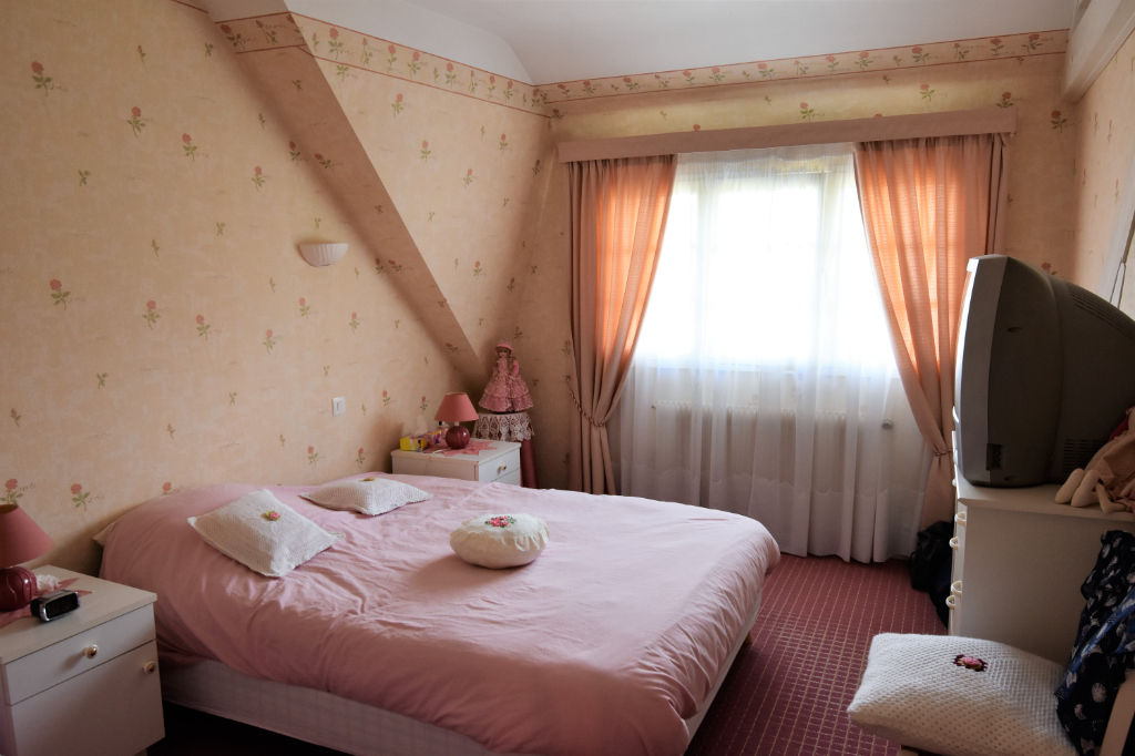 Sale house / villa Saint calais 188125€ - Picture 9