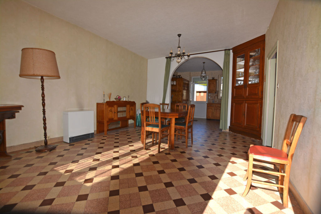 Sale house / villa La chartre sur le loir 91500€ - Picture 3