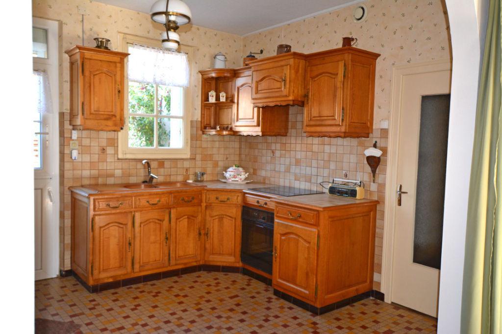 Sale house / villa La chartre sur le loir 91500€ - Picture 7