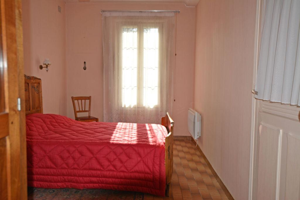 Sale house / villa La chartre sur le loir 91500€ - Picture 10
