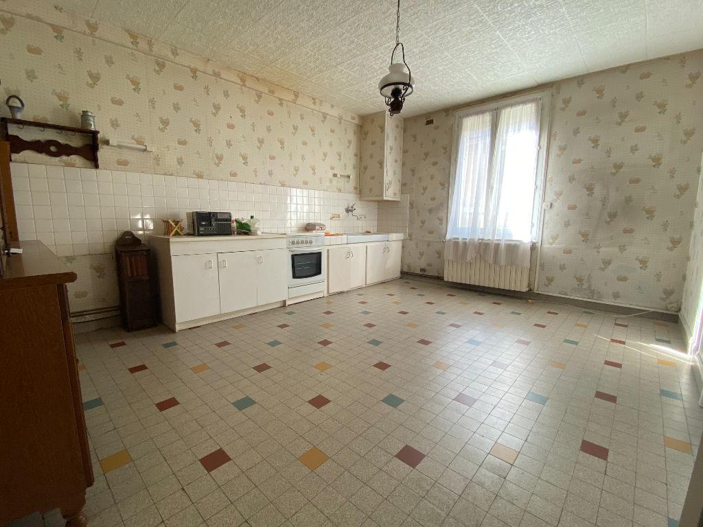 Sale house / villa La chartre sur le loir 141700€ - Picture 3