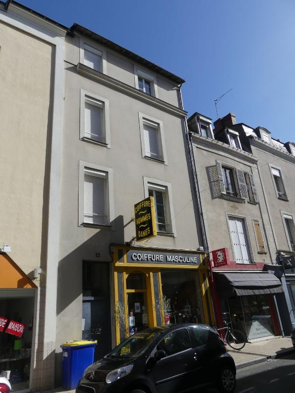 Rue Bressigny – Studio 11 m² (14,28 m² au sol)