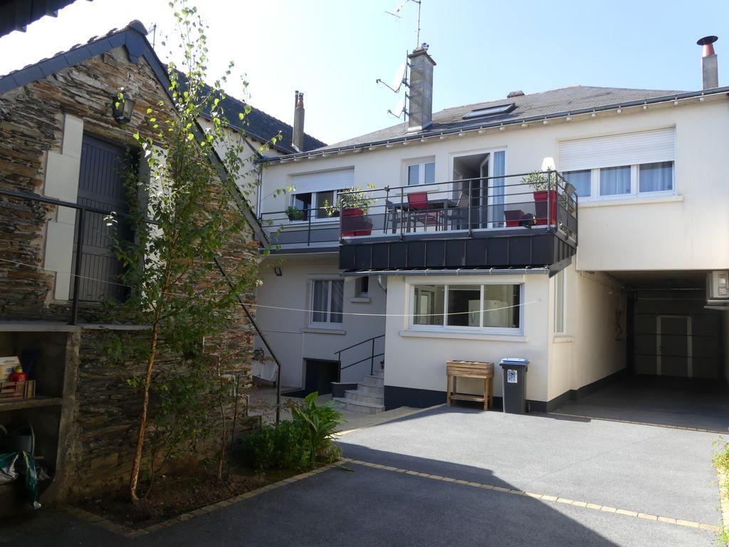 Ensemble immobilier – Maison 5 chambres 220 m² + Hangar+ Dépendance