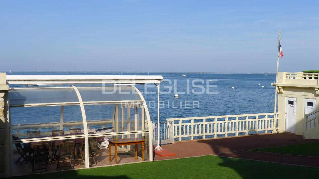Arcachon stunning seafront mansion