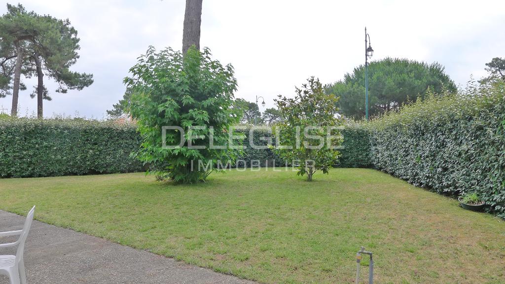 Vendu - ARCACHON - ABATILLES - Maison  7 pièce(s) 155 m2