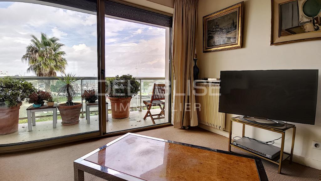 Appartement 3 pièces - 1ère ligne - 60m² - terrasse et parking