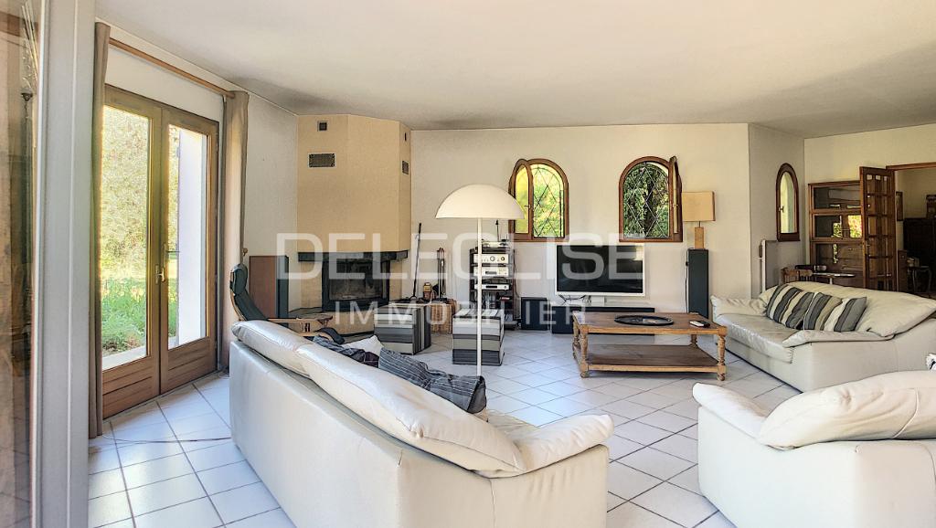 Villa 6 pièces - terrain 5000m² - Parentis