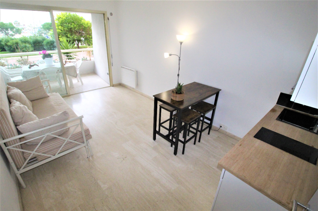 2 PIECES de 33 m² à Villeneuve Loubet