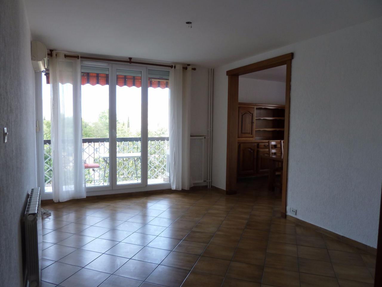 Location Appartement 4 pièces MARSEILLE 13010