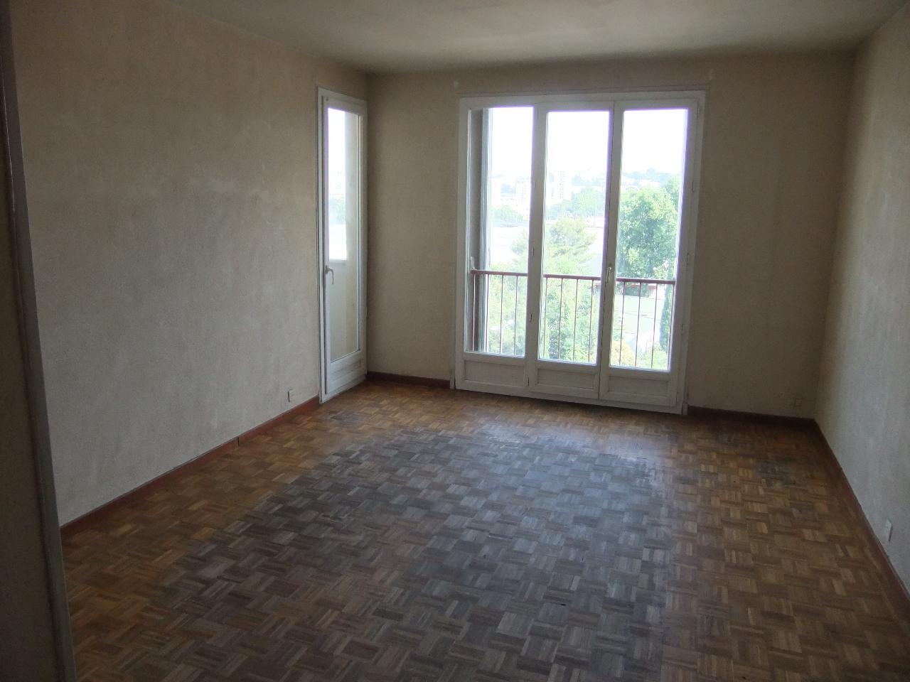 Vente Appartement 5 pièces MARSEILLE 13011