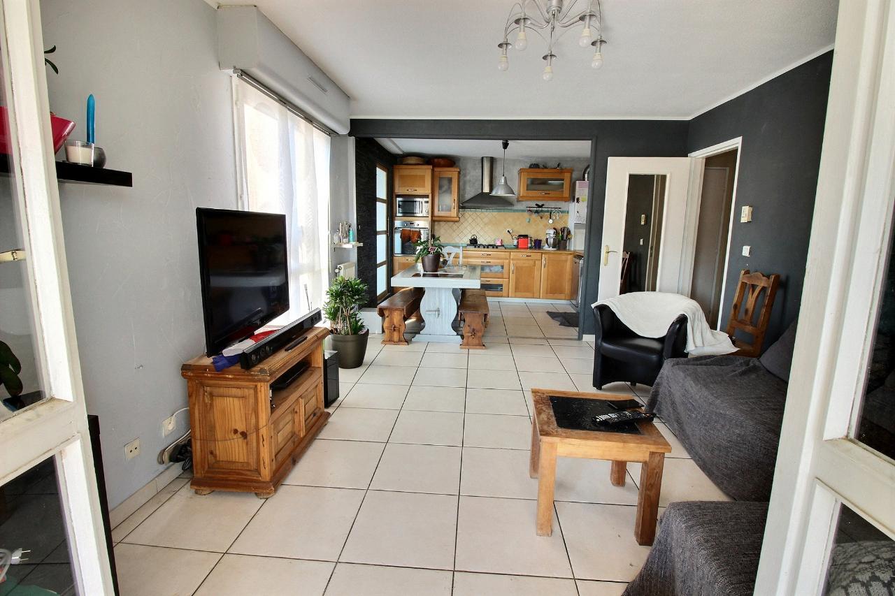 Location Appartement 4 pièces MARSEILLE 13011
