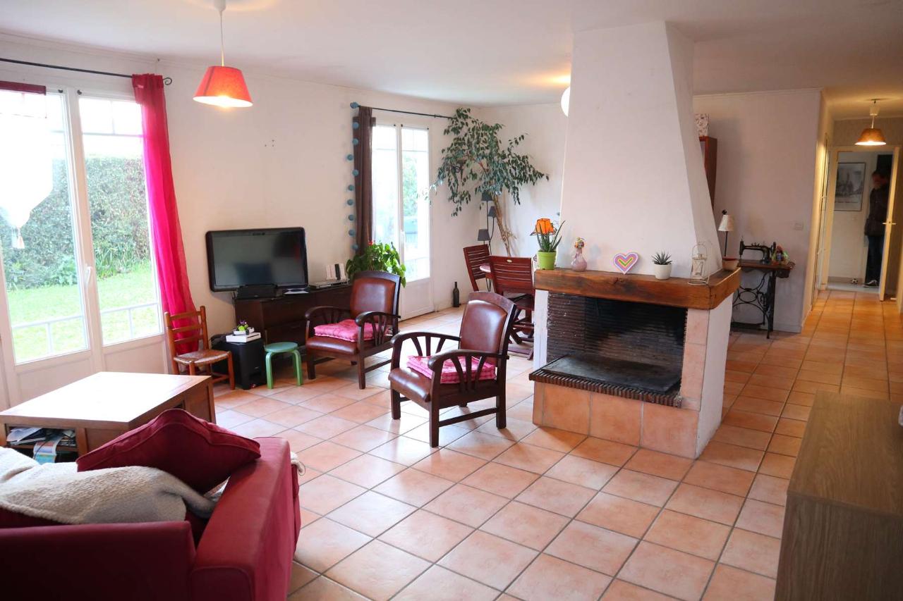Maison de plain pied à Saint Xandre 6 pièce(s) 120 m2 Saint-Xandre 17138