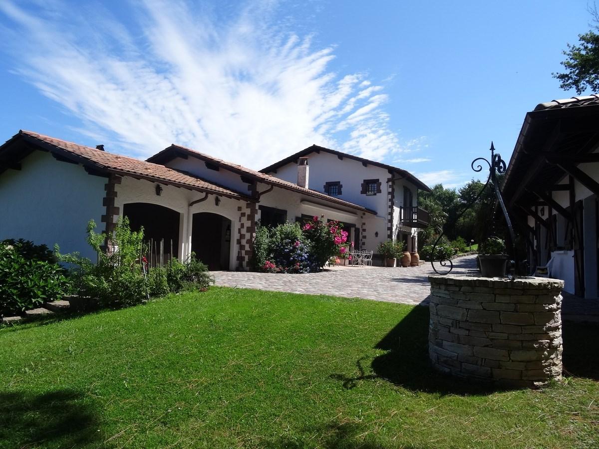 vente maison à ASCAIN - 1 990 000