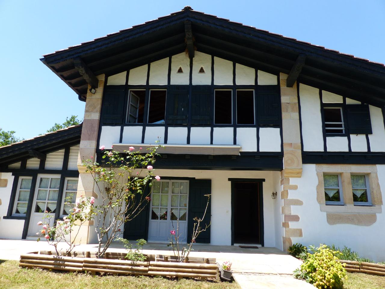 vente maison à SARE - 606 000