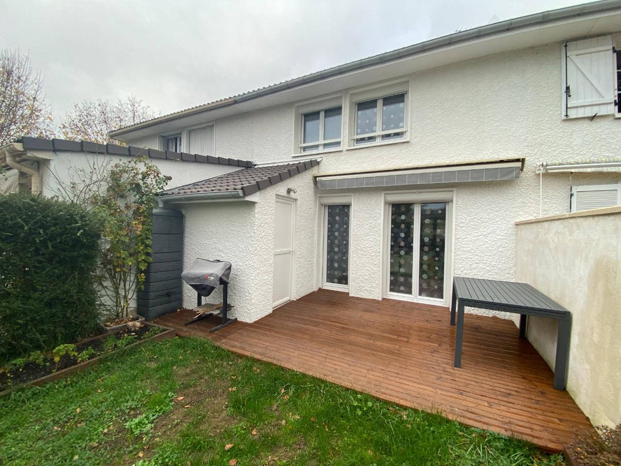 Sale house / villa Ozoir la ferriere 337500€ - Picture 1