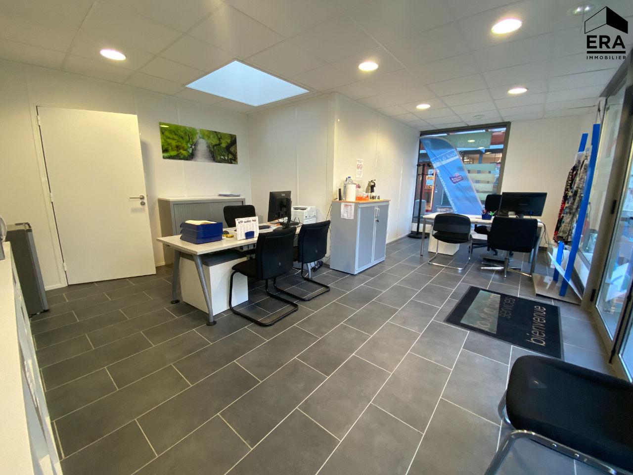 Local commercial Lesigny 2 pièce(s) 45.30 m2