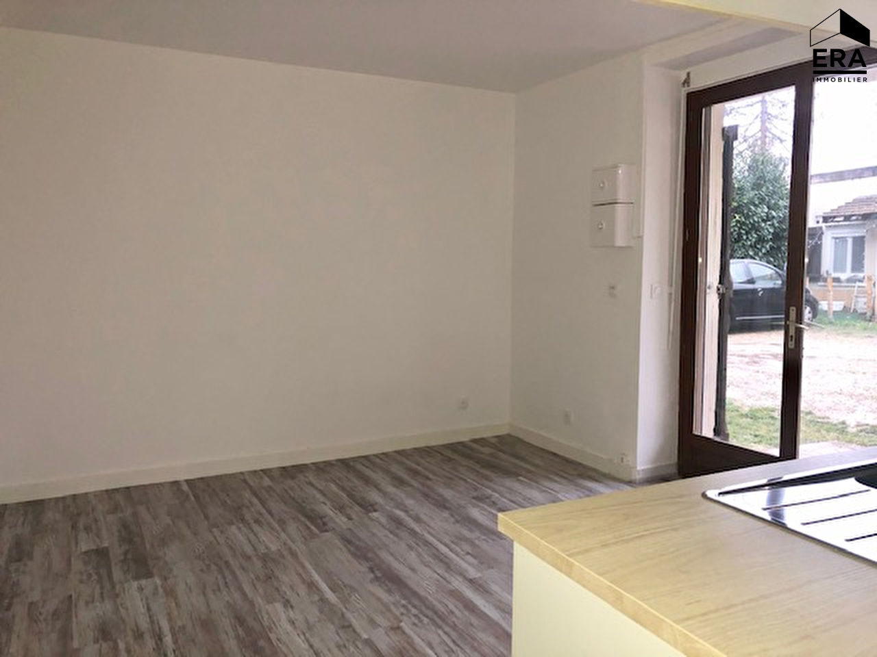 Location appartement Solers 485€ CC - Photo 3