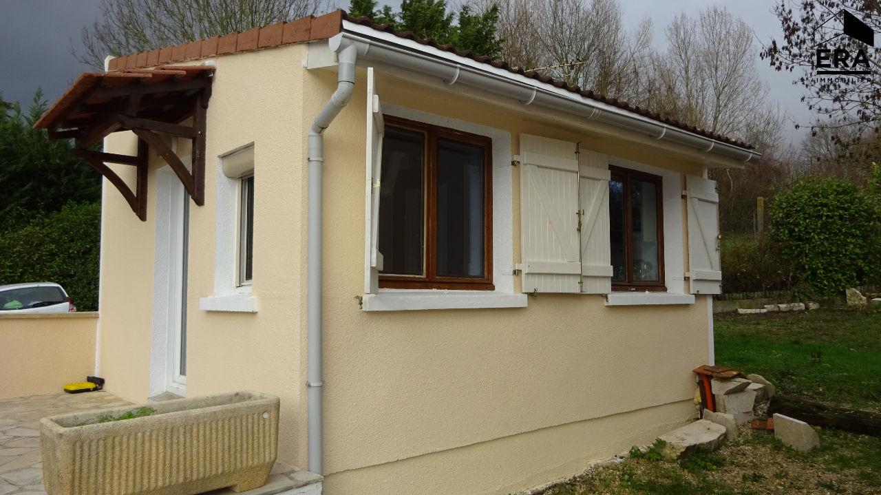 Rental apartment Brie comte robert 480€ CC - Picture 1