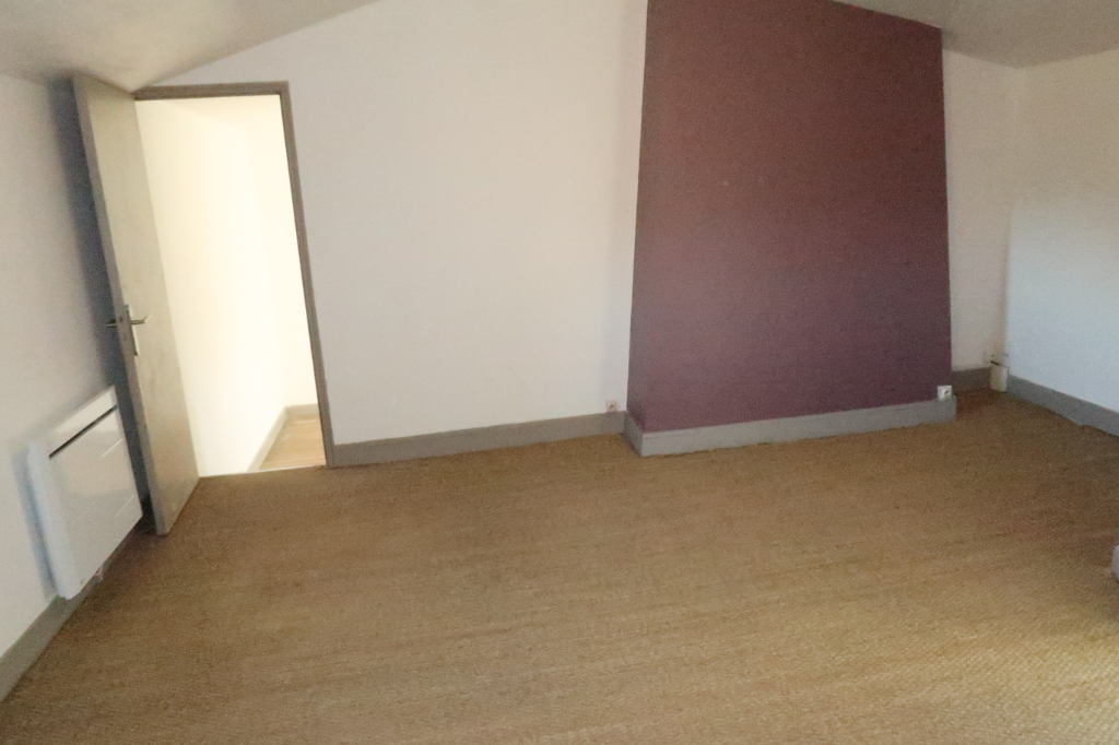 Location maison / villa Feytiat 572€ CC - Photo 5